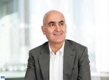 """Vaccin anti-Covid-19: Dr Slaoui prévoit la production de """"centaines de millions de doses"""" d'ici fin 2020"""