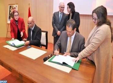 توقيع اتفاقيتي شراكة بين وزارة إعداد التراب الوطني والملكية المغربية للتأمين ومصحة رياض النخيل