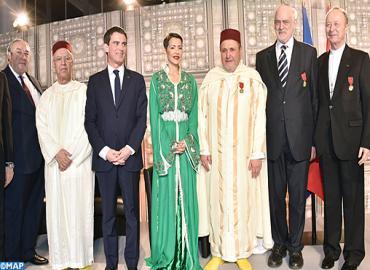 رئيس الوزراء الفرنسي يعبر عن امتنانه لجلالة الملك لتوشيح جلالته ممثلين للديانات السماوية الثلاث بفرنسا
