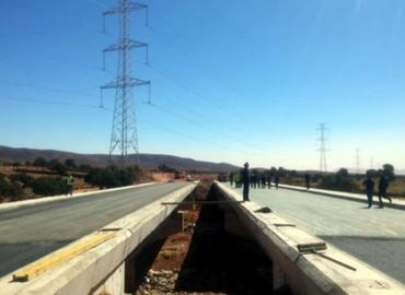 السيد اعمارة : الطريق السريع تزنيت – الداخلة: نسبة تقدم الأشغال بإقليم طانطان بلغت 31 في المائة