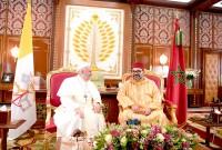 SM el Rey Mohammed VI, Amir Al Muminin, se entrevista a solas, en el Palacio Real de Rabat, con Su Santidad el Papa Francisco