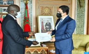 Bourita recibe al nuevo embajador de Guinea Bissau en Marruecos